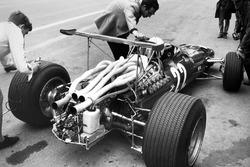 Мауро Форньери и Крис Эймон, Ferrari 312