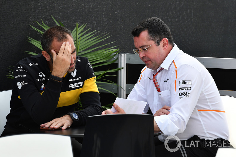 Cyril Abiteboul, Renault Sport F1 Managing Director, Eric Boullier, McLaren Racing Director