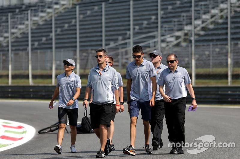 Rio Haryanto, Manor Racing e Esteban Ocon, Manor Racing
