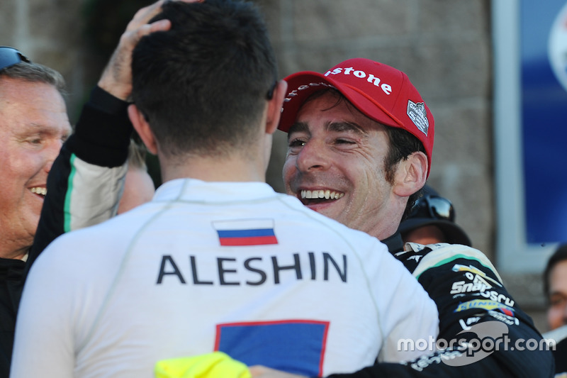 Race winner and 2016 champion Simon Pagenaud, Team Penske Chevrolet is congratulated by Mikhail Aleshin, Schmidt Peterson Motorsports Honda