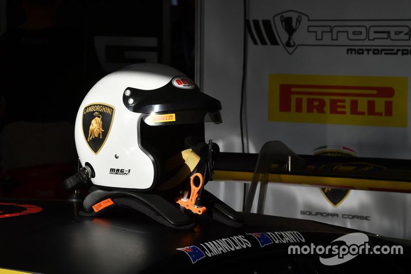 Helm von Jim Manolios, Pirelli Trofeo Motorsport