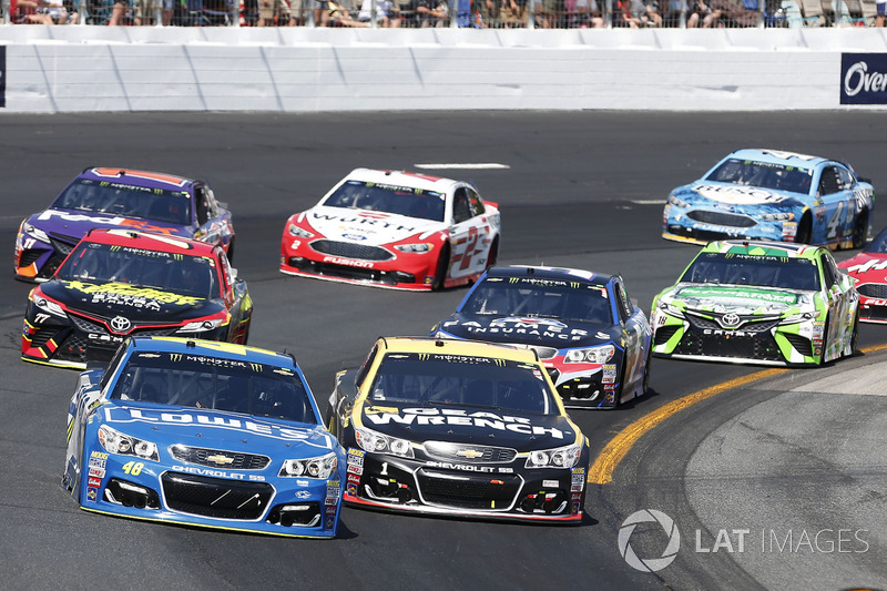Jimmie Johnson, Hendrick Motorsports Chevrolet Jamie McMurray, Chip Ganassi Racing Chevrolet