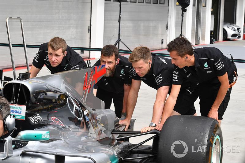 Mercedes AMG F1 W08 mecánica de empuje híbrido de Mercedes-Benz F1 W08
