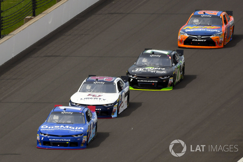 Elliott Sadler, JR Motorsports Chevrolet, William Byron, JR Motorsports Chevrolet