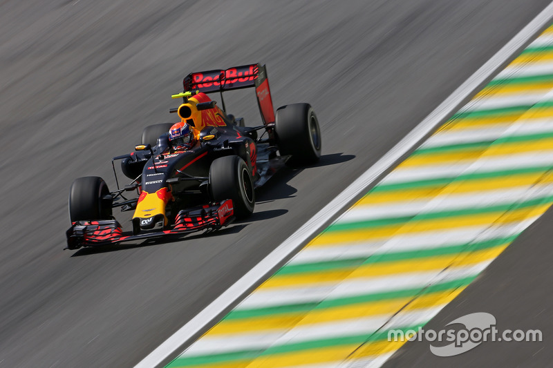 Max Verstappen (NLD) Red Bull Racing  11.11.2016. Formula 1 World Championship, Rd 20, Brazilian Grand Prix, Sao Paulo, Brazil, Practice Day. - www.xpbimages.com, EMail: requests@xpbimages.com - copy of publication required for printed pictures. Every used picture is fee-liable. © Copyright: Charniaux / XPB Images