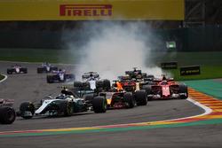 Валттери Боттас, Mercedes AMG F1 W08, Даниэль Риккардо, Red Bull Racing RB13, и Кими Райкконен, Ferrari SF70H