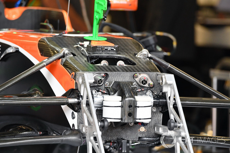 Шасі McLaren MCL32