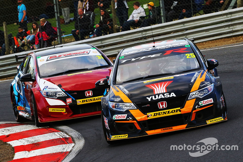 matt neal halfords yuasa racing honda civic type r at. Black Bedroom Furniture Sets. Home Design Ideas