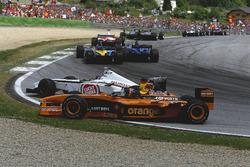 Jacques Villeneuve, BAR 004 Honda t-bones Heinz-Harald Frentzen, Arrows A23 Cosworth