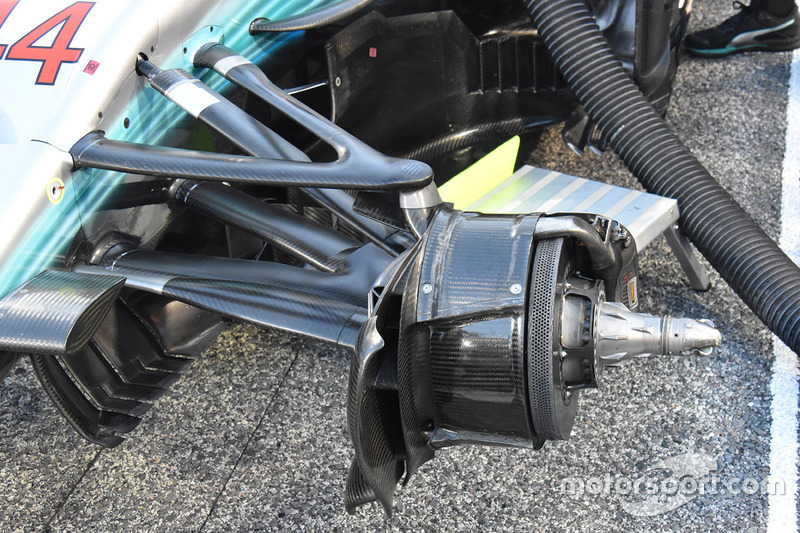 Mercedes AMG F1 W08 front brake drums detail