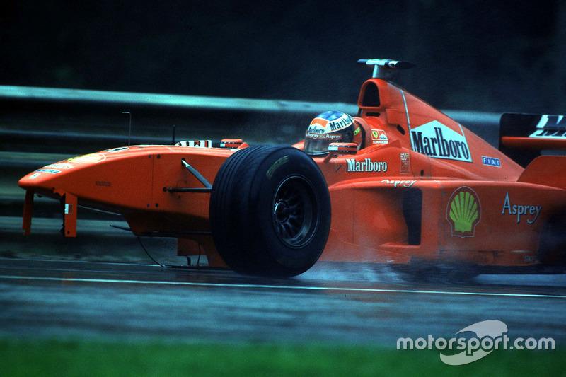 Mungkin ini menjadi momen GP Belgia yang paling terkenal di antara penggemar F1: Pada 1998 Schumacher tersingkir setelah bertabrakan dengan David Coulthard. Keduanya kemudian terlihat bertengkar di garasi McLaren.
