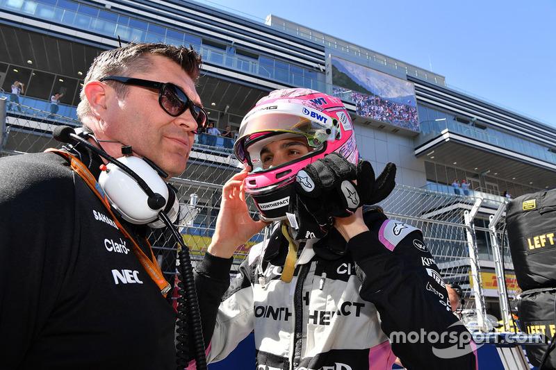 Esteban Ocon, Sahara Force India F1, Bradley Joyce, Sahara Force India Race Engineer