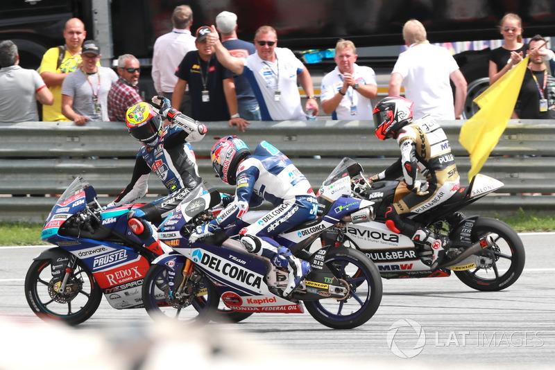 Ganador de la carrera Marco Bezzecchi, Prustel GP