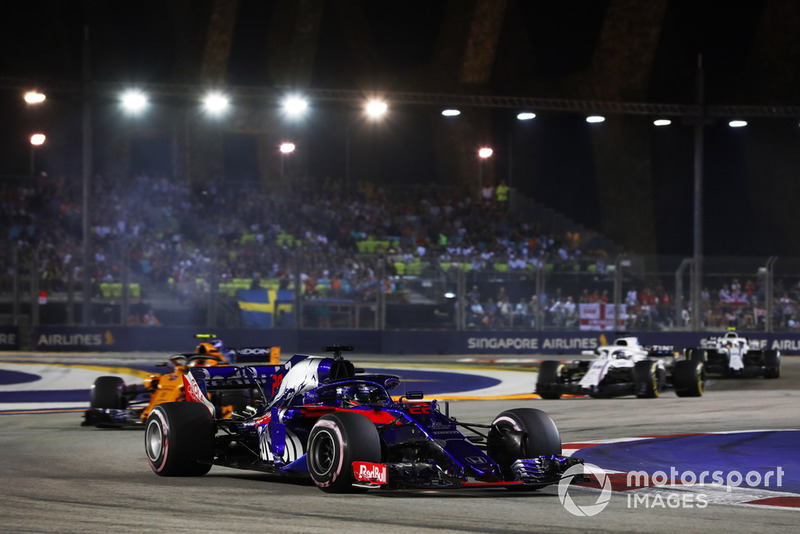 Brendon Hartley, Toro Rosso STR13, Stoffel Vandoorne, McLaren MCL33, Lance Stroll, Williams FW41