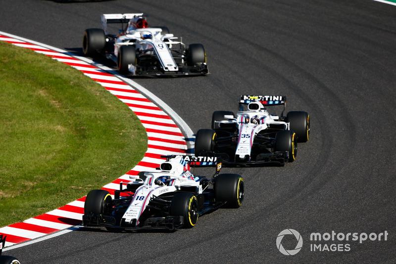 Lance Stroll, Williams FW41, leads Sergey Sirotkin, Williams FW41, and Marcus Ericsson, Sauber C37