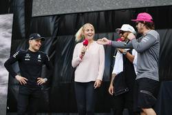 Lewis Hamilton, Mercedes AMG F1, Fernando Alonso, McLaren, sul palco