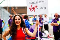 Sam Bird, DS Virgin Racing, grid girl