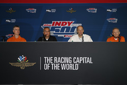 The 2018 Louis Schwitzer award is presented to Tino Belli of IndyCar and Andrea Toso of Dallara (along with Chris Beatty of Chris Beatty Design and Antonio Montanari of Dallara, not pictured)