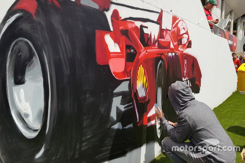 Mural bernuansa Formula 1