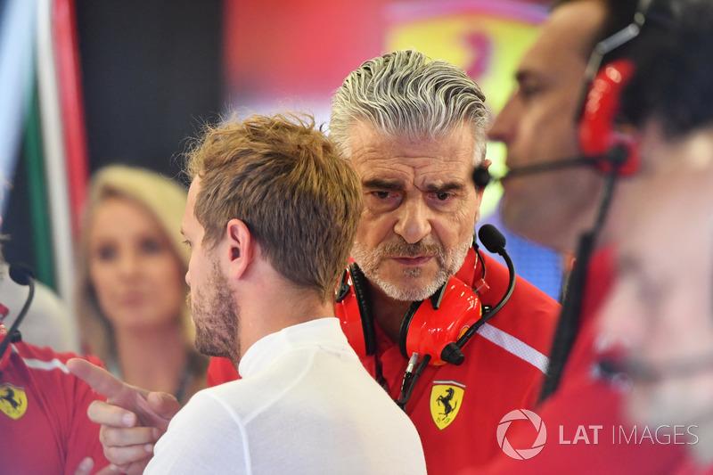 Sebastian Vettel, Ferrari et Maurizio Arrivabene, directeur de la Scuderia Ferrari