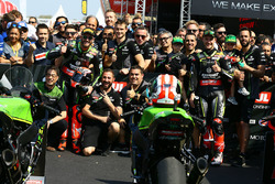 Yarış galibi Tom Sykes, Kawasaki Racing, 2. Jonathan Rea, Kawasaki Racing