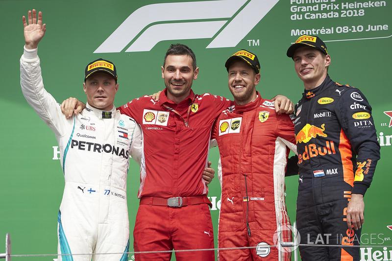 Valtteri Bottas, Mercedes AMG F1, Nicola Bariselli, Race Engineer, Ferrari, Sebastian Vettel, Ferrari
