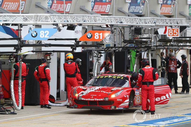 #85 Keating Motorsports Ferrari 488 GTE: Йерун Блекеломен, Бен Китинг, Лука Штольц