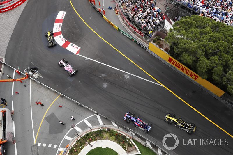 Carlos Sainz Jr., Renault Sport F1 Team R.S. 18, Sergio Perez, Force India VJM11, Pierre Gasly, Toro Rosso STR13 y Nico Hulkenberg, Renault Sport F1 Team R.S. 18