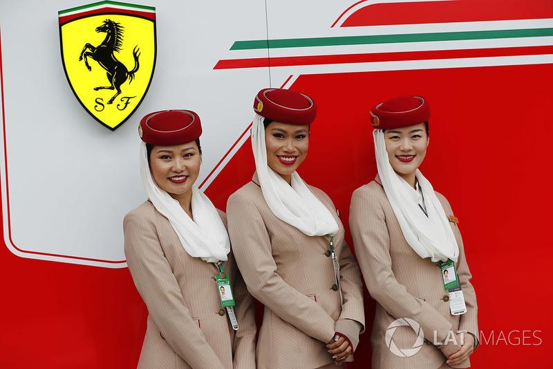 Edecanes de Emirates