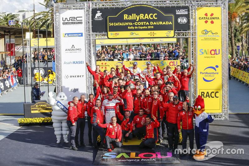 Sébastien Loeb, Daniel Elena, Citroën World Rally Team Citroën C3 WRC con el equipo