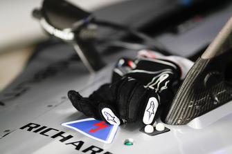 Gloves of Sébastien Buemi, Nissan e.Dams, Nissan IMO1