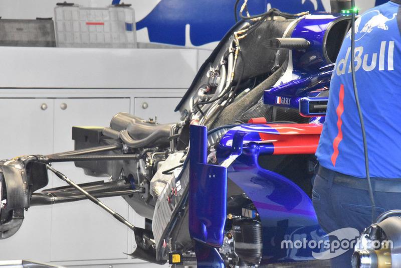 Задняя часть Toro Rosso STR13