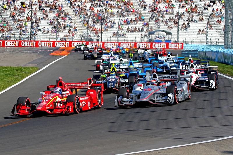 Start: Scott Dixon, Chip Ganassi Racing Chevrolet leads