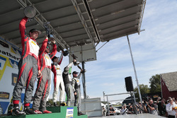Podio: primer lugar Madison Snow, Bryan Sellers, Paul Miller Racing, segundo lugar Matt Bell, Lawson