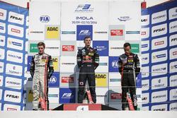 Rookie-Podium: Sieger Niko Kari, Motopark Dallara F312, Volkswagen; 2. Joel Eriksson, Motopark Dalla