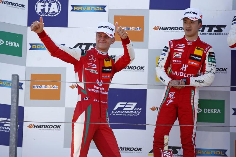 Podio: tercer lugar Mick Schumacher, PREMA Theodore Racing Dallara F317 - Mercedes-Benz
