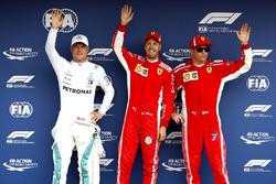 Polesitter Sebastian Vettel, Ferrari, Valtteri Bottas, Mercedes AMG F1, Kimi Raikkonen, Ferrari