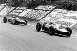 Tony Maggs, Cooper T60-Climax leads Maurice Trintignant, Lotus 24-Climax