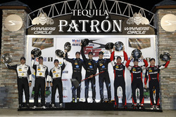 Podium: winners Ricky Taylor, Jordan Taylor, Alex Lynn, Wayne Taylor Racing, second place Joao Barbosa, Christian Fittipaldi, Filipe Albuquerque, Action Express Racing, third place Eric Curran, Dane Cameron, Mike Conway, Action Express Racing