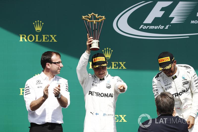 Podium: ganador, Lewis Hamilton, Mercedes AMG F1, segundo, Valtteri Bottas, Mercedes AMG F1