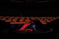 La McLaren MCL32 viene scoperta dal telo
