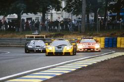 Энди Уоллес, Дерек Белл, Джастин Белл, Harrods Mach One Racing, McLaren F1 GTR (№51)