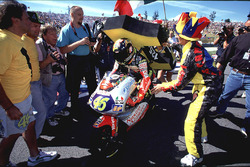 Valentino Rossi, Aprilia, avec ses fans