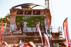 Podium: winnaar Lewis Hamilton, Mercedes AMG F1, tweede Valtteri Bottas, Mercedes AMG F1, derde Sebastian Vettel, Ferrari