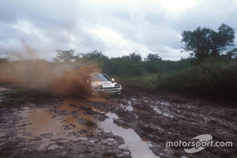 Carlos Sainz, Luis Moya, Toyota Celica Turbo 4WD ST185, en el Rally Safari Kenia 1992