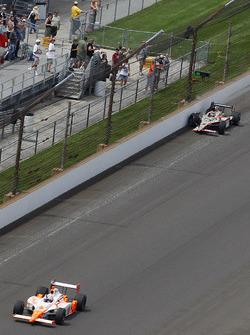 Dan Wheldon, Bryan Herta Autosport; J.R. Hildebrand, Panther Racing