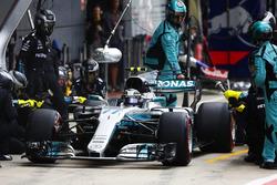 Valtteri Bottas, Mercedes AMG F1 W08, pit stop