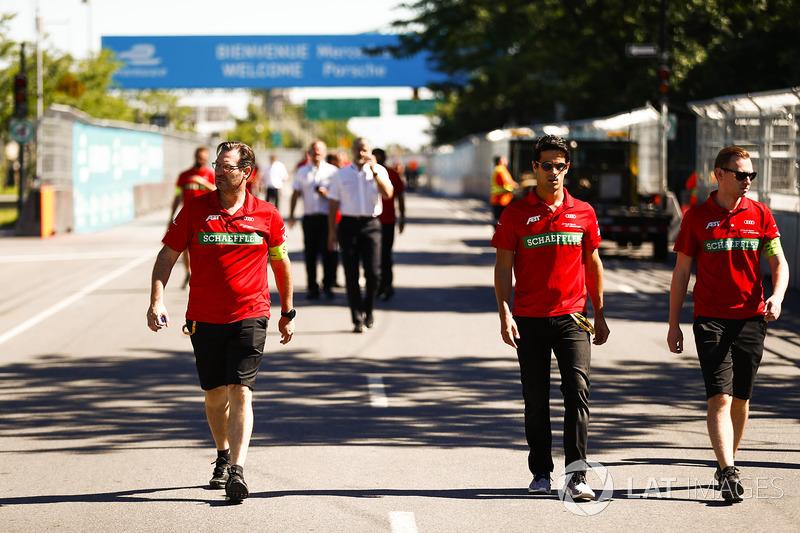 Lucas di Grassi, ABT Schaeffler Audi Sport, camina en la pista