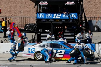 Ryan Blaney, Team Penske, Ford Mustang PPG pit stop