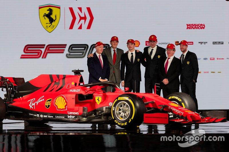 Charles Leclerc, Ferrari, Sebastian Vettel, Ferrari with Ferrari team members
